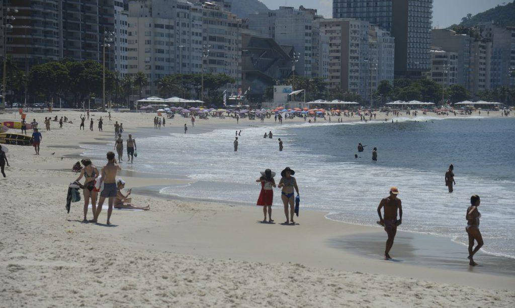 Prefeitura do Rio veta piscinas, mas mantém uso das praias