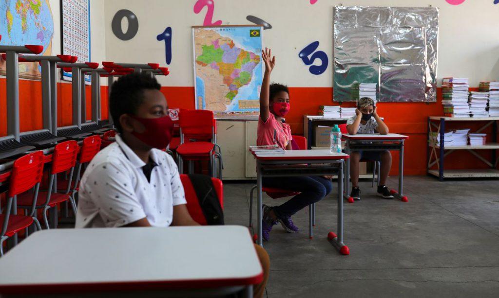 MEC lança programa para professores de alfabetização