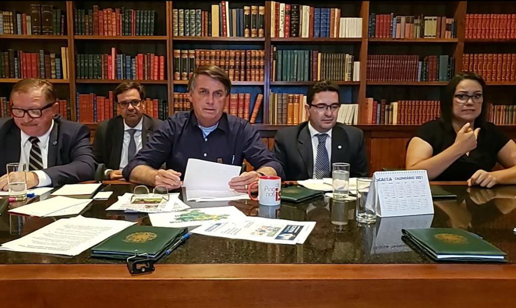 Bolsonaro promete reenviar medida de regularização fundiária