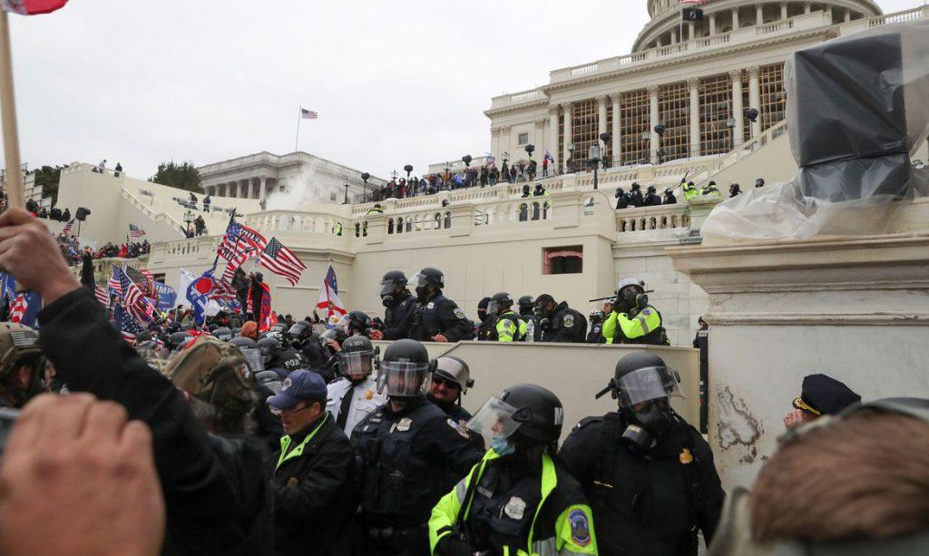 Autoridades se manifestam sobre invasão do Congresso norte-americano