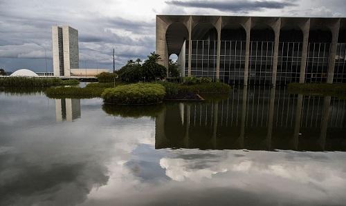 Brasil desiste de disputa sobre subsídios comerciais do Canadá na OMC