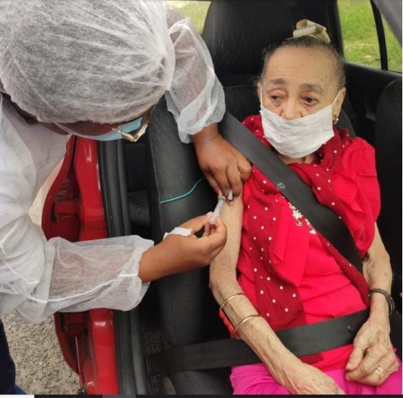 Idosos com 85 anos ou mais serão vacinados até quarta-feira (10)