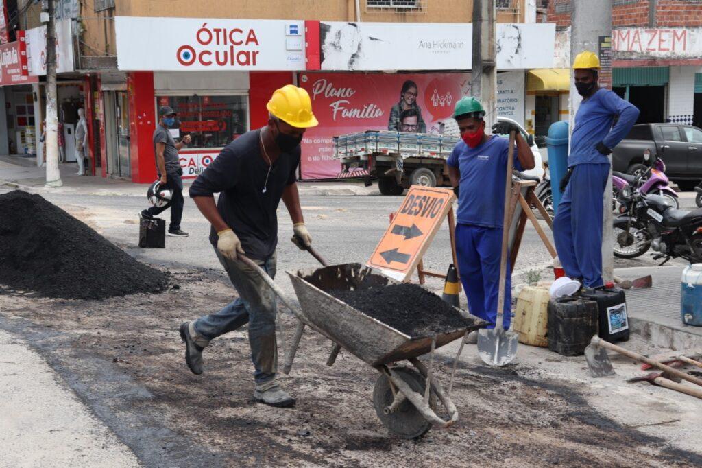Avançar Cidades: SAAE realiza recomposição asfáltica no centro de Alagoinhas