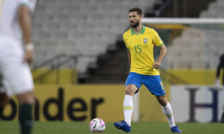 Tite convoca zagueiro Felipe para substituir Lucas Veríssimo lesionado