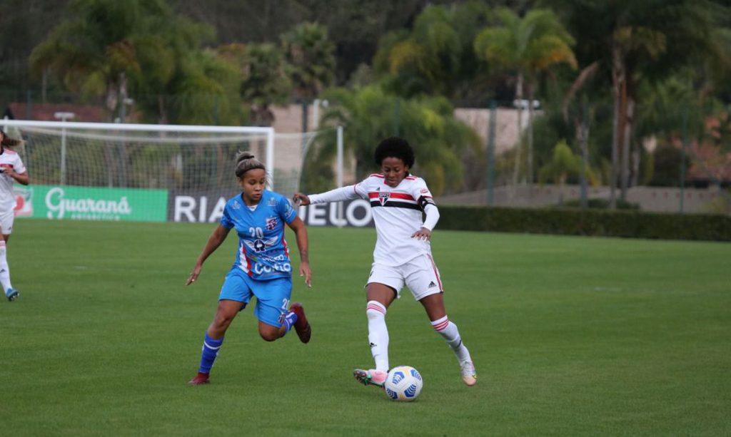 Brasileiro Feminino: com 7 a 1, São Paulo assume vice-liderança
