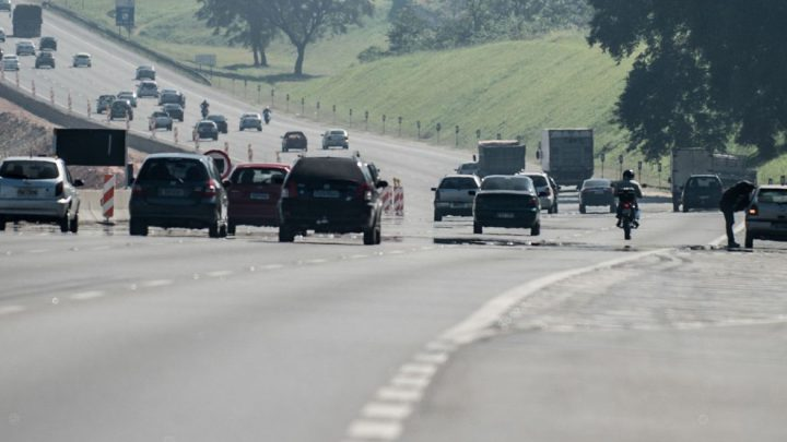 Rodovias de São Paulo ficam congestionadas antes de feriado prolongado