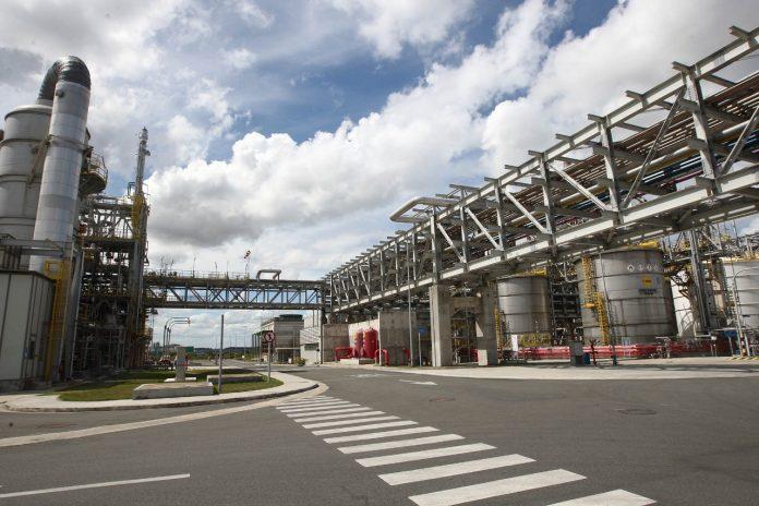 Indústria baiana gera cerca de 40 mil empregos em 12 meses